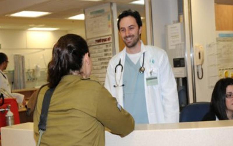 ביקור-רופא-לחיילים